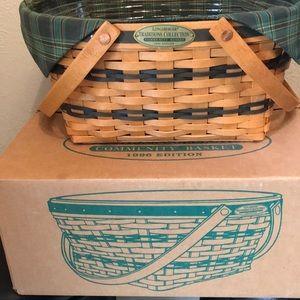 Longaberger 1996 community Basket Traditions